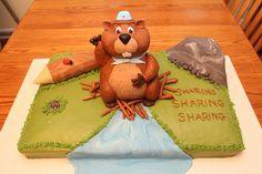 Beaver cake by lisafemmefondant, via Flickr