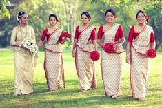 Bridal and bridesmaids bouquets Indian Bridesmaid Dresses, Bridesmaid Saree, Indian Wedding Outfits, Brides And Bridesmaids, Bridal Dresses, Flower Girl Dresses, Wedding Looks, Red Wedding, Bridal Looks