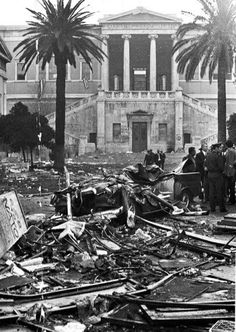 Athens: of November in The uprising of the Polytechnic – Contra Info Vintage Pictures, Old Pictures, Old Time Photos, Greece Pictures, Greek History, As Time Goes By, Athens Greece, History Facts, Military History