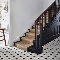 Black Staircase, Staircase Runner, Staircase Design, Tiled Staircase, Stair Runners, Black Banister, Tile Stairs, Banisters, Modern Stairs Design