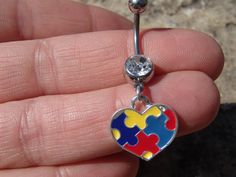 Heart Charm Belly Button Ring by ICandyCrystals on Etsy Cool Piercings, Ear Piercings Cartilage, Peircings, Cartilage Earrings, Tongue Piercings, Piercing Ideas, Tragus, Body Piercing, Belly Rings