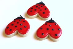 Lovebug Cookies for the Lady Bug party! Ladybug Cookies, Heart Cookies, Cupcake Cookies, Ladybug Cake Pops, Cookie Favors, Baby Cookies, Flower Cookies, Easter Cookies, Christmas Cookies