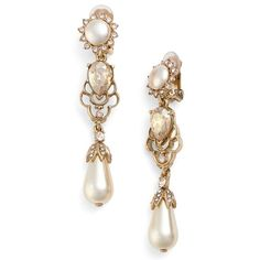 Women's Oscar De La Renta Crystal & Pearl Clip Earrings (1.545 RON) ❤ liked on Polyvore featuring jewelry, earrings, gold, pearl jewellery, pearl clip earrings, oscar de la renta earrings, crystal stone jewelry and crystal jewellery