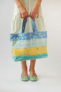 I think I've found my teacher presents - free pattern! Mother-Daughter Tote Bag | Oliver + S