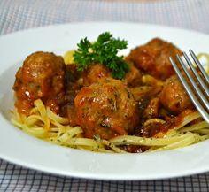 Si nunca has probado un buen plato de espagueti con albóndigas, ahora es el momento. Nos dan la receta desde el blog Cuuking!