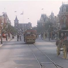 This home-video collage of Disneyland in 1955 is a blast from the past.