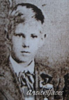 Karl Thornston Skoog Ship: RMS Titanic Passenger: 3rd class Nationality: Swedish Residence: Hallekis, Sweden Death: April 15, 1912 2:20 am Cause: Titanic sinking (body never recovered) Age: 11 years