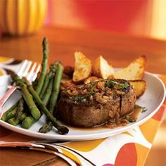 This steak diane recipe will impress your family and guests with very little effort. For an easy side of roasted potatoes, start with precut potato wedges from the refrigerated section of the grocery store. Steak Recipes, Slow Cooker Recipes, Crockpot Recipes, Healthy Recipes, Healthy Meals, Easy Recipes, Delicious Recipes, Healthy Eating, Steak Diane Recipe