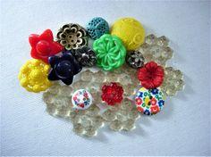 Sweet+Lot+of+Various+Vintage+Plastic+Flower+by+BecaliJewels