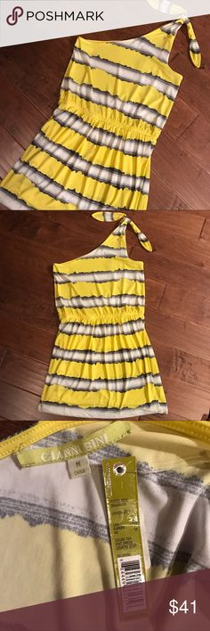 🔴3/$20 NWT Gianni Bini 🌼 One Shoulder Yellow Gianni Bini yellow, white and black watercolor striped one shoulder midi. New with tags. Stretch material for easy fit. Bright summer piece! Gianni Bini Dresses One Shoulder