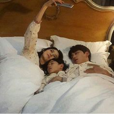 ulzzang kids by: Cute Family, Baby Family, Family Goals, Couple Goals, Ulzzang Kids, Ulzzang Korea, Ulzzang Couple, Korean Ulzzang, Cute Asian Babies