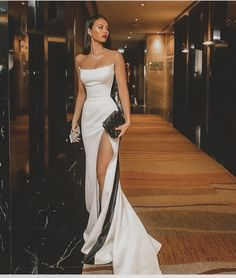 Shop for Sexy Strapless Side Slit Evening Dresses Cheap Online. Try Black White Sleeveless Cheap Formal Party Dress at the best price. Ball Dresses, Ball Gowns, Pretty Dresses, Beautiful Dresses, Beautiful Live, Awesome Dresses, Dream Dress, Strapless Dress Formal, Sleeveless Dresses