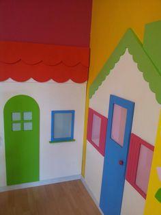 Huisjes met plexiglazen ramen zodat je er prenten van het thema in kan stoppen