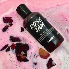 Bath N Body Works, Body Wash, Bath And Body, Lush Cosmetics, Handmade Cosmetics, Lush Rose Jam, Lush Shower Gel, Lush Aesthetic, Beauty Skin