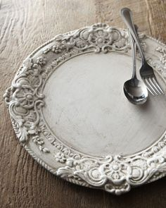 Whitewashed Wood Charger Plate! #Ornate, charger, plate, luxury, dinner party, table setting, tablescape, formal, entertaining, Baroque