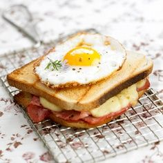 Croque Monsieur & Croque Madame: The French Version of Sandwich. The name Croque Monsieur in french culinary arts refers to the hot ham and cheese (typically Emmental or Gruyere as how the French like. Breakfast And Brunch, Breakfast Snacks, Breakfast Recipes, Breakfast Sandwiches, Breakfast Healthy, Health Breakfast, I Love Food, Good Food, Yummy Food