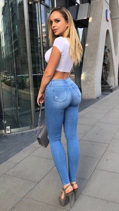 Perfect jeans by Nightstar s / Sexy Jeans, Superenge Jeans, Skinny Jeans, Looks Pinterest, Pernas Sexy, Girls Jeans, Sexy Hot Girls, Sexy Dresses, Sexy Women