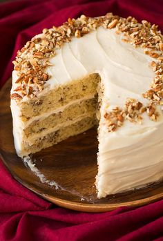 Celebrate the holiday season with this Butter Pecan Cake! It's so rich and full of flavor. This is one of the best cake recipes you'll make because the moist cake is covered in a dense layer of homemade cream cheese frosting. The buttery, nutty taste is perfectly balanced with the buttermilk in the batter. It's a sweet cake without being too overpowering. Garnish the cake with crushed pecans for a picture perfect presentation. Guests at your Christmas party will be utterly impressed by your baki Fall Cake Recipes, Delicious Cake Recipes, Pumpkin Recipes, Yummy Cakes, Cupcake Recipes, Dessert Recipes, Pecan Recipes, Yummy Yummy, Easy Recipes