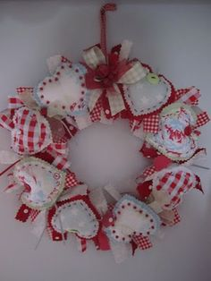 Would make a cute Valentine's Day wreath