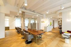 Located in the city center of the cosmopolitan city of Frankfurt, Germany, 'Haarwerk' by UniversalProjekt is a one-story hair salon, conveniently served by public transport, which offers extensive facilities for the local neighbourhood and beyond.