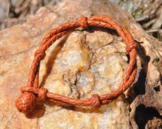 Kangaroo Braid Bracelets, This site has the cutest western style things!