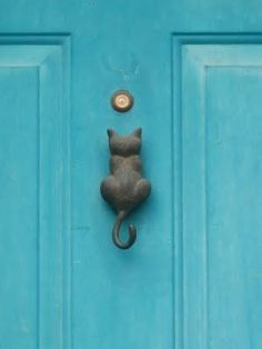 The Difference Starts at the Door // Online article by Luciane Valencia