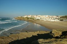 Praia das Maçãs  Najlepsze i najpiękniesze plaże wokół Lizbony – mapa + informacje: http://infolizbona.pl/?p=1640 Jak dojechać na plaże w Lizbonie i okolicach [Mapa + aktualne ceny]: http://infolizbona.pl/?p=2712