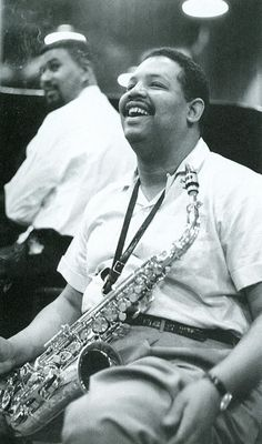 Cannonball Adderley sharing a laugh with Paul Chambers. Jazz Artists, Jazz Musicians, Music Artists, Blues Artists, Cool Jazz, Soul Music, Music Is Life, Cannonball Adderley, Jazz Cat