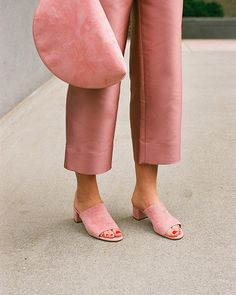 Pink on pink on pink! Blush suede heeled mule slides and a half-moon zip-top clutch pair perfectly with these satin cropped trousers from Mansur Gavriel. Looks Style, Style Me, Pink Style, Look Fashion, Womens Fashion, Fashion Trends, Street Fashion, Runway Fashion, Spring Fashion