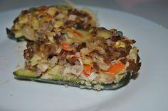 Calabacines rellenos de carne y surimi - meat and seafood stuffed zucchini