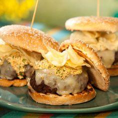 Louisiana Recipes, Cajun Recipes, Burger Recipes, Wine Recipes, Food Network Recipes, Crawfish Alfredo Recipe, Crazy Burger, Bobby Flay Recipes, Crawfish Etouffee