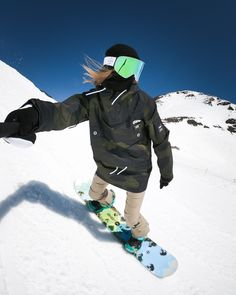 Winter in the Adirondacks – Come Hideaway in Lake George, NY Streetwear Jackets, Summer Vacation Spots, Ski Vacation, Snowboarding Outfit, Snowboarding Resorts, Snowboarding Women, Fun Winter Activities, Snowboard Girl, Winter Hiking