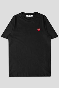 f66bff1ae9d Comme des garcons play ss tshirt red heart black