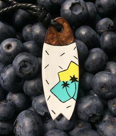 Mmm..Blueberry :) find This coconut surf necklace at www.elcoco.pl 🌴🌊🌊🌊🎉 #elcocopoland#elcoco#findelcoco#surf#surfart#surfing#blueberry#summer#summervibes#handmadejewelry#handcrafted#artist#palms#ocean#positivevibes#dailyart#flashesofdelighit#vscocam#instamood#moodygrams#weekend#creativityfound#artwork#borówki#dziendobry#vacations#wakacje#mornings#painting Surf Necklace, Surf Art, Palms, Mornings, Vacations, Blueberry, Surfing, Handmade Jewelry, Coconut