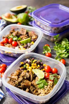 crockpot meal prep Super easy Pork Carnitas Meal Prep Bowls are bursting with flavor, but come together in around 30 minutes for an easy meal solution or meal prep option. Best Meal Prep, Sunday Meal Prep, Lunch Meal Prep, Meal Prep Bowls, Meal Prep For The Week, Healthy Meal Prep, Easy Healthy Recipes, Healthy Snacks, Easy Meals