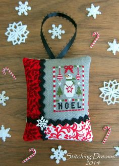 Snowman freebie link on Stitching Dreams blog