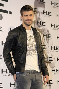 El defensa del Barcelona, Gerard Pique se convertirá en padre. Shakira hizo oficial el rumor de su embarazo. Notimex
