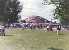 BERLIN 1980, eingestürzte Kongresshalle - 'Schwangere Auster' | © Manfred Strauß