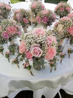 Country wedding bouquets and boutonnieres. BW Events Informations About Country wedding bouquets and Wedding Flower Guide, Diy Wedding Flowers, Bridal Flowers, Floral Wedding, Wedding Ideas, Country Wedding Bouquets, Blush Wedding Centerpieces, Flower Centerpieces, Country Weddings