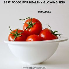 For glowing, healthy-looking skin, consider adding tomatoes to your diet…click through to find out more and get access to our list of other helpful tips for achieving a radiant complexion. #healthyskin #radiantskin #radiantskinfood #glowingskin Beauty Tips And Secrets, Beauty Hacks, Dull Skin, Even Skin Tone, Radiant Skin, Glowing Skin, Healthy Skin, Serving Bowls, Helpful Hints