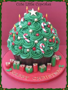Giant Christmas Tree Cupcake