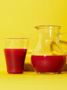 Recipe:【メディカルハーブ入り・コールドプレスジュース】バジル、タイム、オレガノのガスパチョ風ジュース/ドライトマトやオリーブオイルを加えた、ガスパチョ風ジュース
