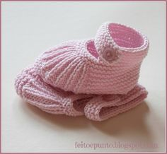 Lovely booties (Mary Janes) for baby girl ~~ Patucos