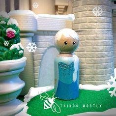Frozen's Elsa- inspired Princess Peg Doll People / Person -  w BAG!