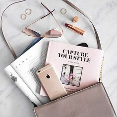 Work essentials : what do you have in your bag ? <3