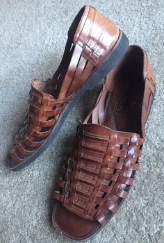 ba4e9d79dc10 Sunsteps Men s Brown Leather Hand Woven Sandals EUC Size 12