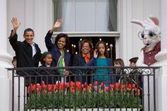The First Family wave from the South Portico of the White House to guests attending the White House Easter Egg Roll.4/13/2009.