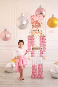It's beginning to look a lot like Christmas! 💗 And I'm so excited to share the first Holiday design for Balloon Mosaics. Christmas Balloons, Nutcracker Christmas, Pink Christmas Decorations, Balloon Garland, Balloon Decorations, Teenager Party, Holiday Parties, Party Time, Birthday Parties