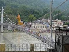 Haridwar  Rishikesh tour in Uttarakhand recently was my first pilgrimage trip. Uttarakhand  has many hill station and some of them are religious place with temple and other things. Uttarakhand is a beautiful, truly holy place, and paradise for the nature lovers (not excluding Wildlife lovers) a feast and a marvel for the eyes. Family Holidays are terrific and so I choose trip to Haridwar Rishikesh with family.