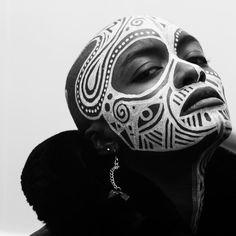 Female Portrait, Female Art, African Makeup, African Art Projects, Tribal Looks, Textile Texture, Body Glitter, Dark Beauty, Real Women